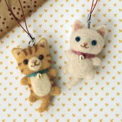 Japan Hamanaka Wool Needle Felting Kit - White Cat & Tabby Cat