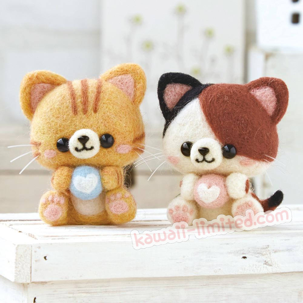 Hamanaka Wool Needle Felting Kit - Calico and Orange Tabby Cats