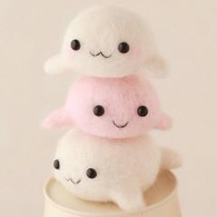 Japan Hamanaka Wool Needle Felting Kit - Seal Siblings