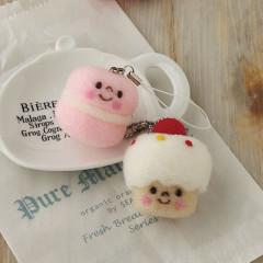 Japan Hamanaka Wool Needle Felting Kit - Macaroon & Cupcake Straps