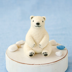 Japan Hamanaka Wool Needle Felting Kit - Polar Bear