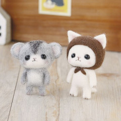 Japan Hamanaka Wool Needle Felting Kit - White Cat & Djungarian Hamster