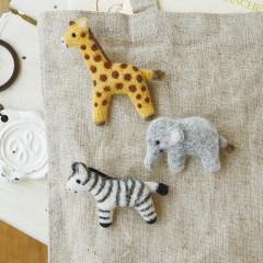 Japan Hamanaka Wool Needle Felting Kit - Giraffe, Zebra & Elephant Brooch