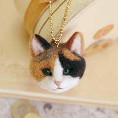 Japan Hamanaka Wool Needle Felting Kit - Realistic Calico Cat