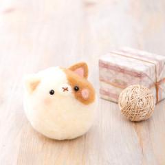 Japan Hamanaka Wool Pom Pom Craft Kit - Bonbon Cat Ball