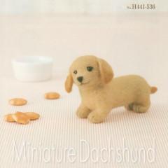 Japan Hamanaka Wool Needle Felting Kit - Miniature Dachshund